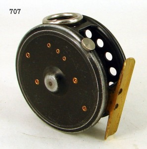 CROUCH_FISHING_REEL_009