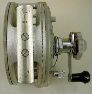 CROUCH_FISHING_REEL_014