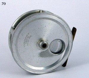 CROUCH_FISHING_REEL_024a