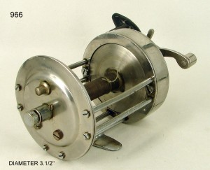 MULTIPLYING_FISHING_REEL_024
