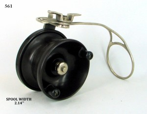 SIDECAST_FISHING_REEL_009